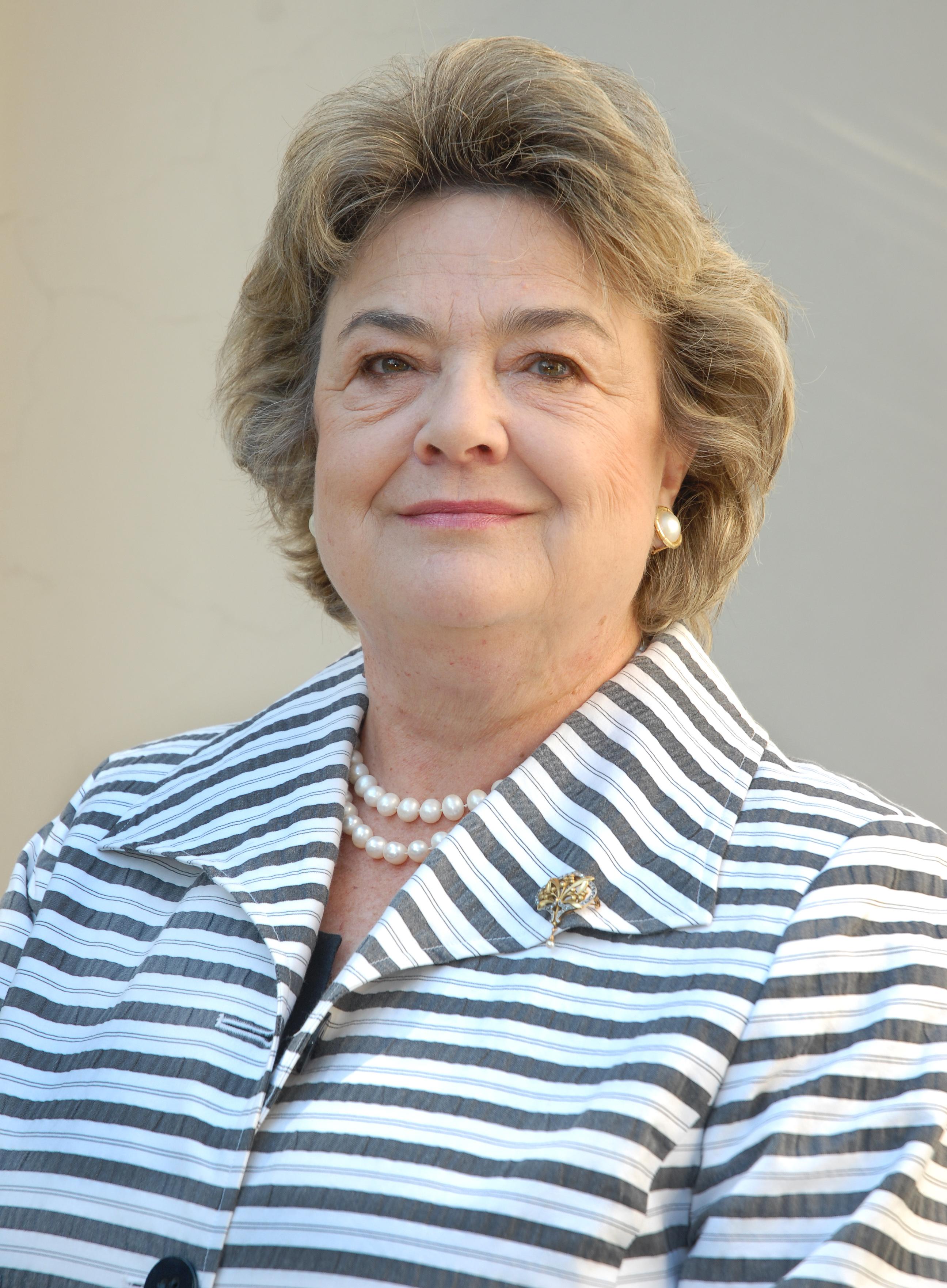 Lucía Santa Cruz  Sutil