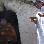 Una de las estaciones realizadas durante la procesión de la  Virgen de la Natividad.